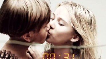 Голые девочка и девочка целуются фото 521-99