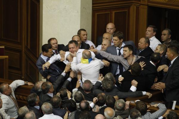"""Регионала"" Левченко выгнали из парламента на три дня за провокацию и драку - Цензор.НЕТ 5801"