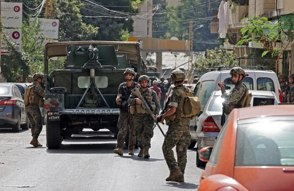 Стрельба стихла после введения на улицы военных